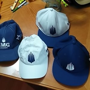 This bundle of 4 Under Armour baseball hats